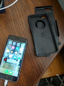 Iphone 6 in perfect condition with otter case