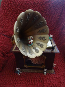 "CLASSIC MR CHRISTMAS HOLIDAY MUSIC BOX WITH GRAMAPHONE ""1996"""