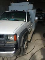 1999 chev 3500 mechanics / lube truck
