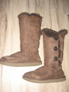 Ugg Bailey Button Triplet 1873 Boots Size 7