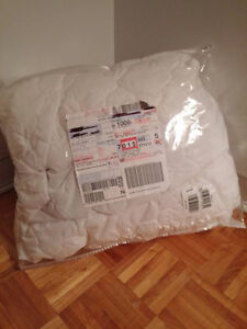 Serta Queen Size Waterproof Mattress Cover~Never Used