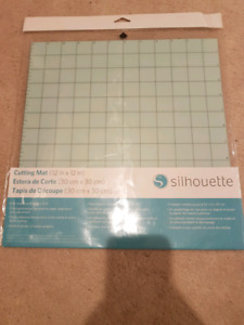 Silhouette cutting mat and pixscan for cameo