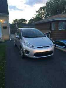 2012 Ford Fiesta LOW KM