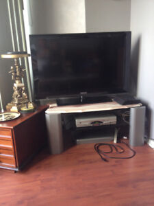 SHARP 42''LCD TV. WITH REMOTE IN EXC.COND