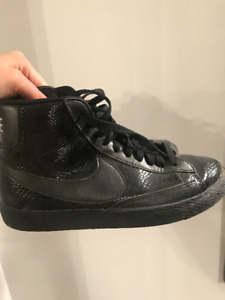 Nike High-Top Sneakers - Size 6.5