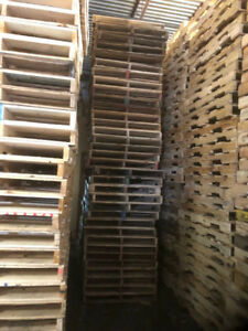Wooden pallets 40''x48'' for sale