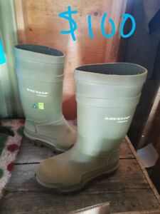 a28552e295b Boots Dunlop   Kijiji in Edmonton. - Buy, Sell & Save with Canada's ...
