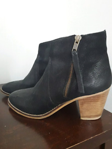 New Leather Urban Outfitters Black Boots 7.5