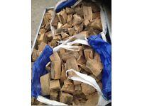 Bone dry pure oak heartwood logs