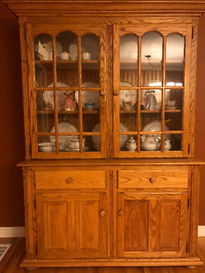Oak Dining Table, 6 Chairs and Cabinet/Hutch