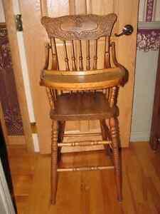 chaise haute en chêne