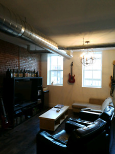 Room available in 4 bedroom downtown st catharines