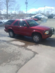 2005 GMC Jimmy 137400 kms, 4x4 push bar and subs