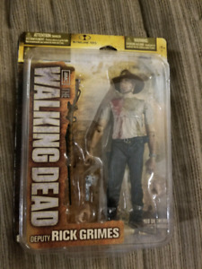 Series 2 walking dead deputy rick grimes figure