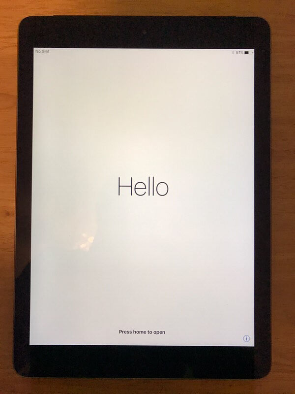 Apple iPad Air 1st Generation 16GB, Wi-Fi & Cellular, 9.7in - Space Grey