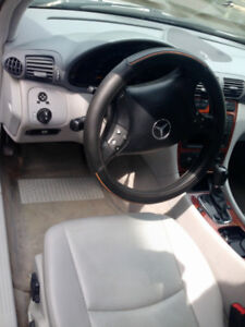 Mercedes Benz C240  Model W203 2001  : 2300$