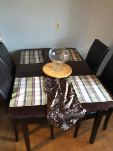 Kitchen/Dining Room Table + 8 chairs