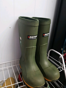 New baffin steel toe boots