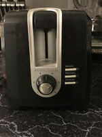 Black and Decker Toaster. Good Condition