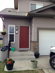 3 Bedroom Townhouse in Fort Saskatchewan Available Aug 1st