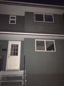 duplex for rent-$1350 includes utilities- available IMMEDIATELY