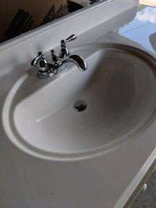 5' single vanity with faucet