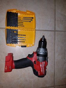 Milwaukee m18 brushless drill