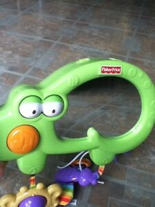 Fisher Price crib mirror musical crocodile in St Thomas London Ontario image 2