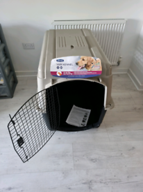 Dog kennel / crate