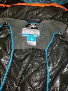 Columbia titanium 2pc Snowsuit sz 10/12 London Ontario image 4
