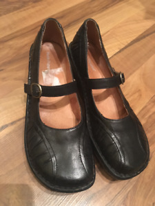 Leather Hush Puppies Mary Janes
