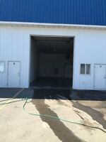 1150 sq/ft bay utilities included