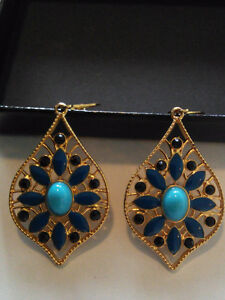 Designer Joan River's  Blue Leverback Earrings Pierced Ears BNIB