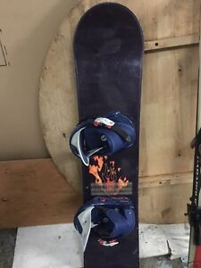 Nitro Snowboard 108cm with Burton freestyle bindings