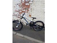 Mondraker Summum pro team DH bike size L