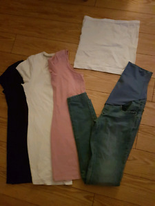 Thyme maternity lot of clothing *Like new*