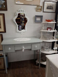VANITY / DESK  WHITE 6 DRAWER DRESSER  OAK BUFFET