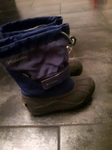 size 13 girls Columbia winter boots