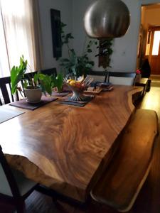"""table UNIQUE bois suar 86"""" L x 50"""" W avec banc"""