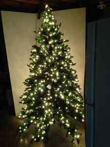 7.5 FT. FULLY LIGHTED CHRISTMAS TREE
