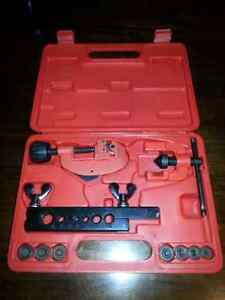 Double flaring tool set made by Gray  Kitchener / Waterloo Kitchener Area image 2
