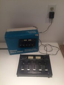 Realistic 32-1100a Stereo Mixer