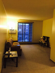 Room to rent in double bedroom apartment