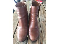 Lovely pair brown leather boots size 5 from GAP