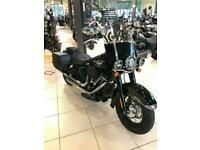 Harley-Davidson FLHCS 114 Heritage Softail