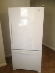 Full Size White Bottom Freezer Refrigerator Fridge