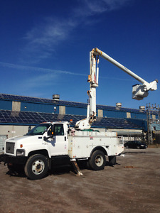 2005 C75 GMC Utility Bucket Truck - Insulated Boom 42'Altec L37M