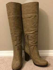 Versatile beige boots (from Portugal) Size 37