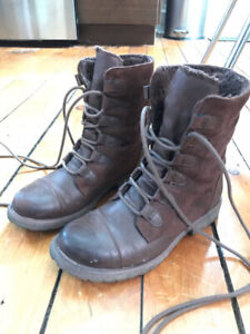 Roxy women's faux leather/suede boots size 6.5