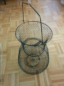COLLAPSIBLE FOLDABLE PORTABLE FISH BASKET NET WITH HANDLE